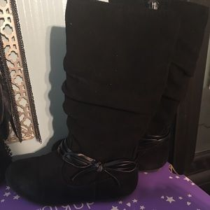 Toddler size 9 Boots